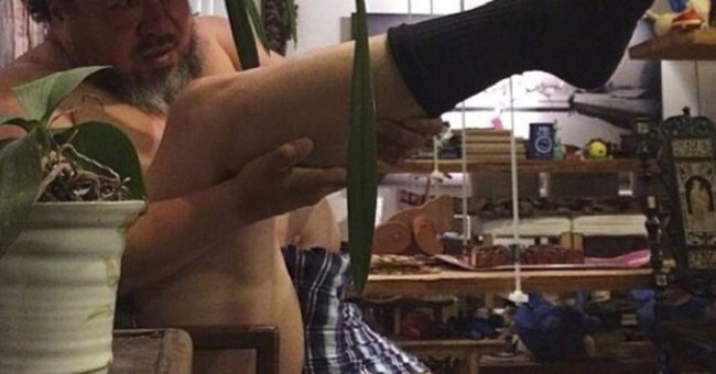 Kicking heat: Chinese artist prompts leg-gun meme