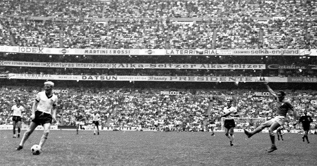 ON THIS DAY: 'Little Bird' inspires Brazil in 1962