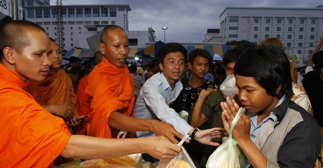 Cambodian workers' return from Thailand not smooth
