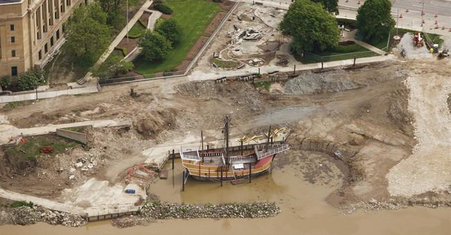 Columbus, Ohio, to move Santa Maria replica