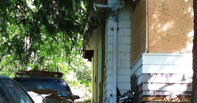 Hoarder crushed by debris as floor collapsed