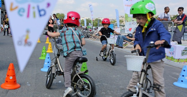 Kid-sized bike share? Giving it a spin in Paris
