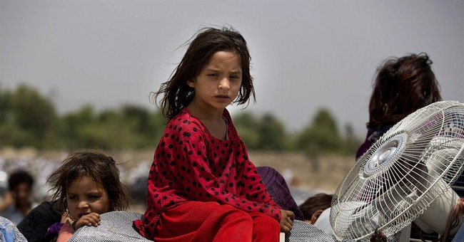 Pakistan: 80,000 flee northwest offensive