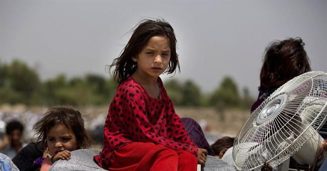 Pakistan: 80,000 flee northwest offensive