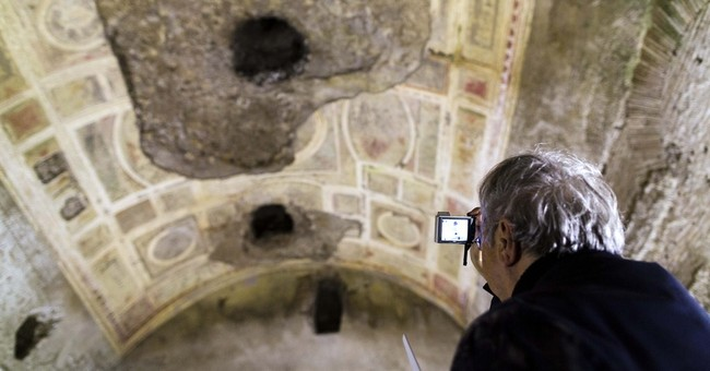 Experts: Cut trees to rescue Nero's fabled palace