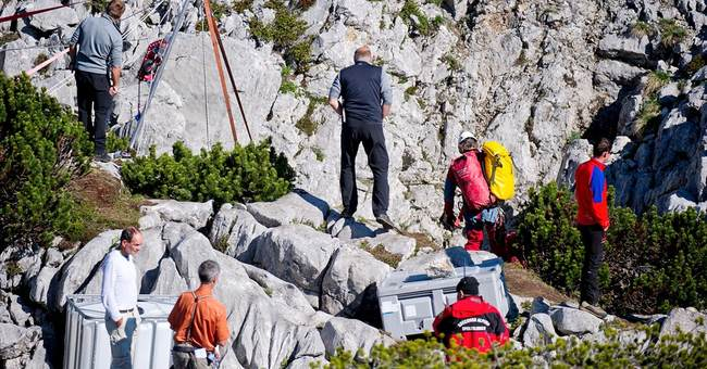 After 2 weeks, injured caver rescued in Germany