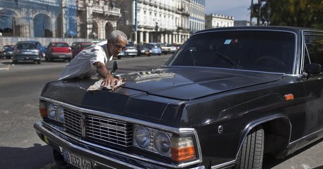 Fidel's former limos reborn as Havana taxicabs