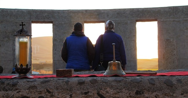 Pagans mark summer solstice at replica Stonehenge