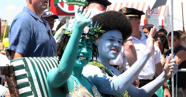 NYC mayor a pirate among mermaids at zany parade