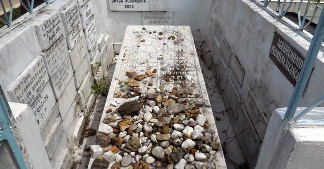 Christians in Manaus pray to the 'Jewish saint'