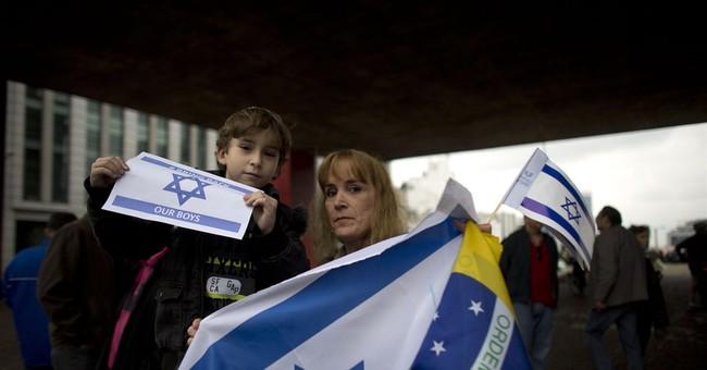 Jewish demonstrators protest Argentina-Iran game