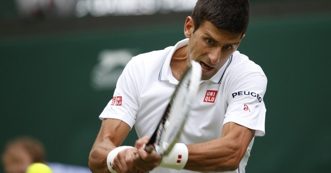 Djokovic easily advances with 1st round win