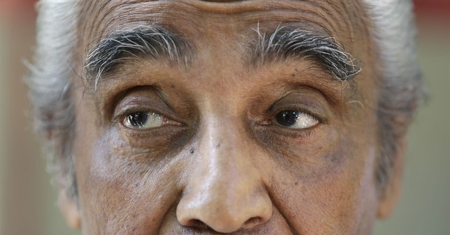 Veterans Cochran, Rangel try to survive primaries