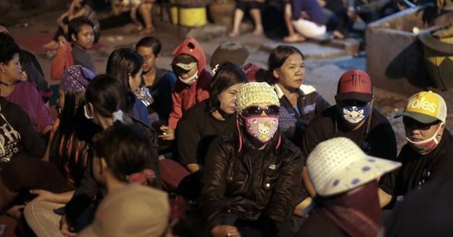 Indonesia prostitutes resist red-light shutdown