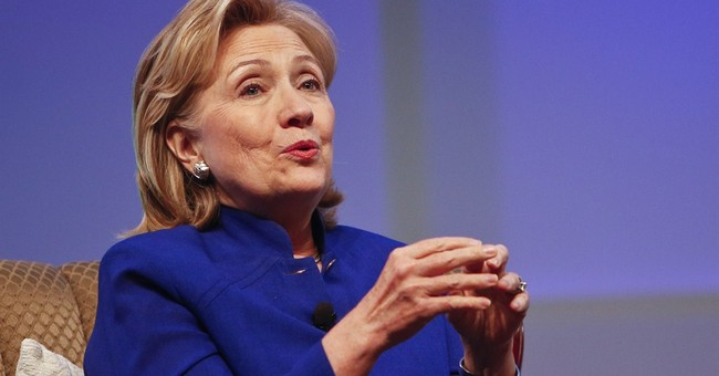 Clinton struggles in discussing her family wealth