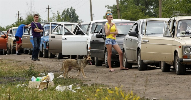Thousands flee Ukraine for Russia; truce nears end