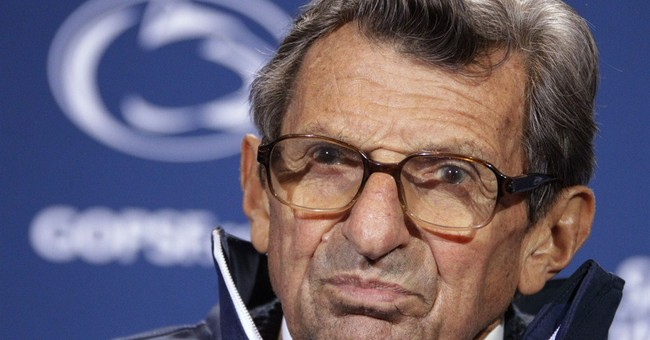 Governor says he 'never will' condemn Joe Paterno
