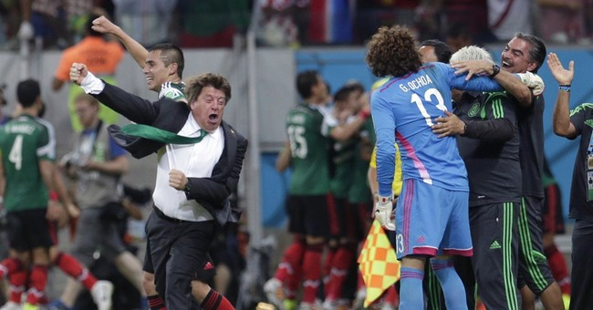 Mexico's 'Louse' lights it up at World Cup