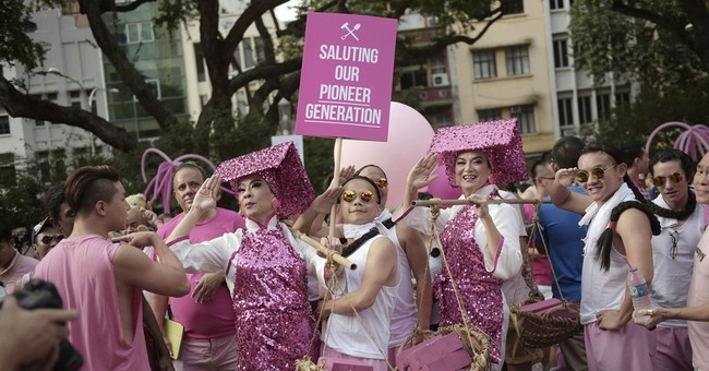Singapore gays rally to counter opposition