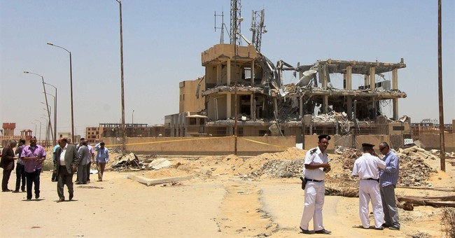 Egypt violence kills 2 civilians, 4 conscripts