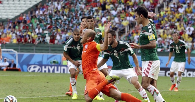 Robben says he won't change despite penalty furor