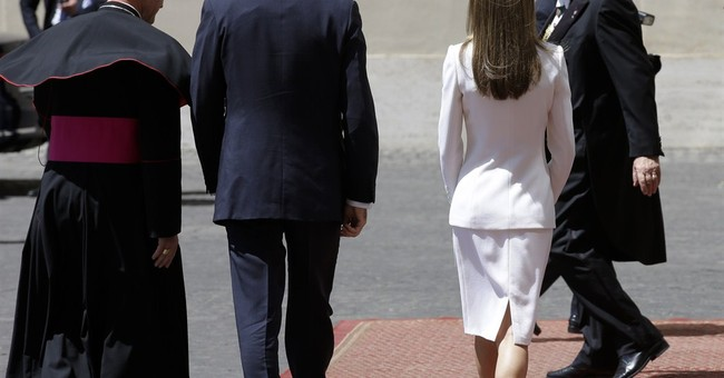 Spain's new king and queen invite pope to visit