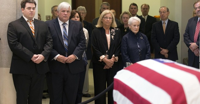 Mourners pay respects to Sen. Howard Baker Jr.
