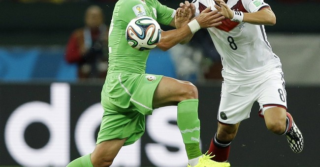 Germany survives Algeria 2-1 in extra time