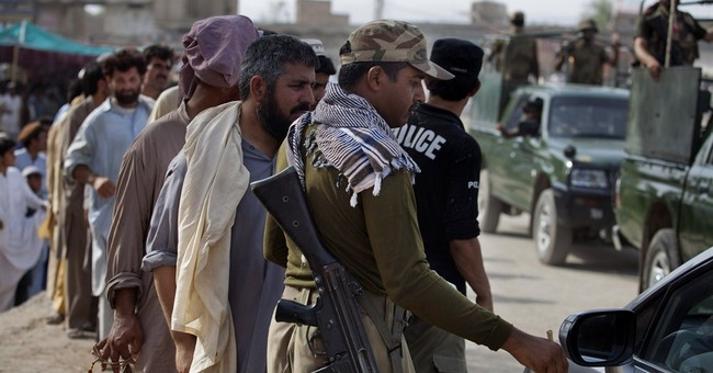 Pakistan begins ground offensive against militants