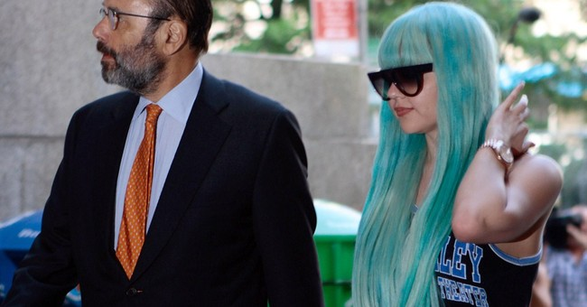 Amanda Bynes' New York bong-tossing case dismissed