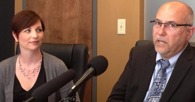 Judge strikes down Kentucky's gay marriage ban