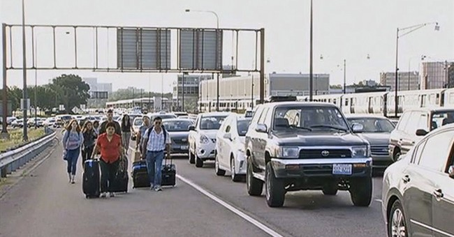 Flood strands motorists headed to O'Hare Airport