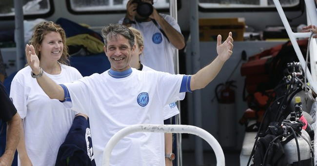 Fabien Cousteau ends mission at undersea lab