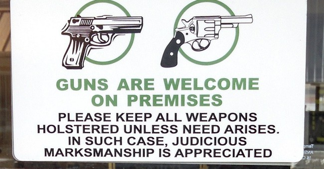 Waitresses at Colorado eatery carry loaded guns