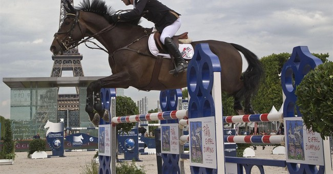 Glamorous riding event in shadow of Eiffel Tower