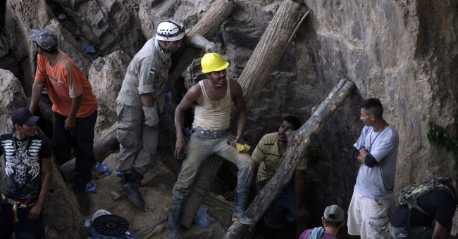 Honduras losing hope in search for trapped miners
