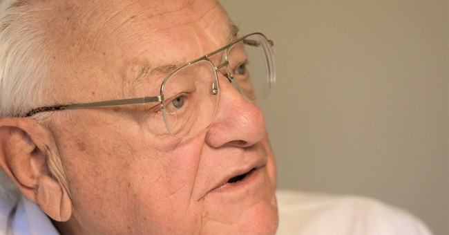 Ex-Illinois governor emerges, talks death penalty