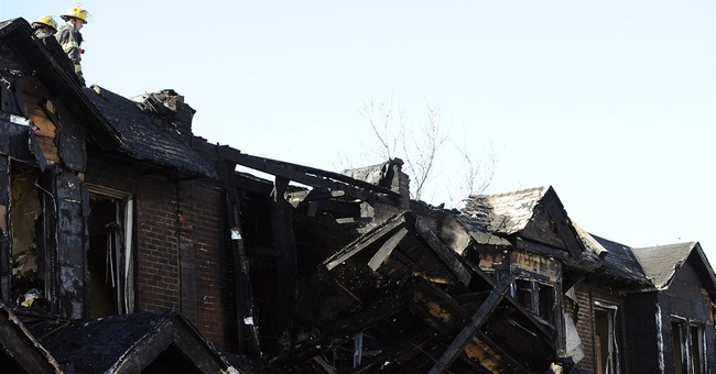 Philadelphia fire kills 4 kids, engulfs 10 houses
