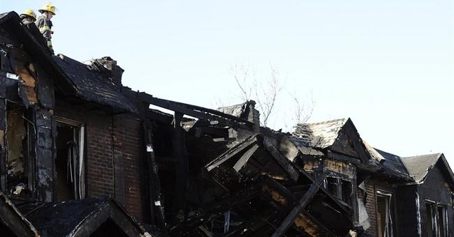 Philadelphia fire kills 4 kids, engulfs 10 houses