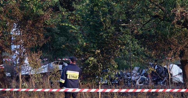 Poland opens criminal probe into parachuting crash
