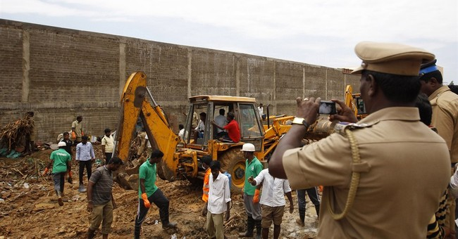 Wall collapse kills 11 workers in southern India
