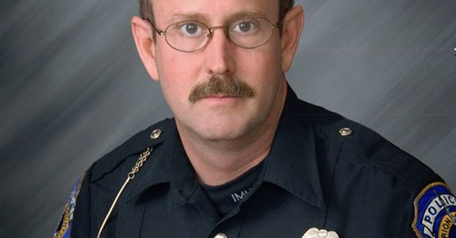 Indianapolis officer dies after alley gun battle