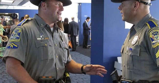 Connecticut school shooting responders honored