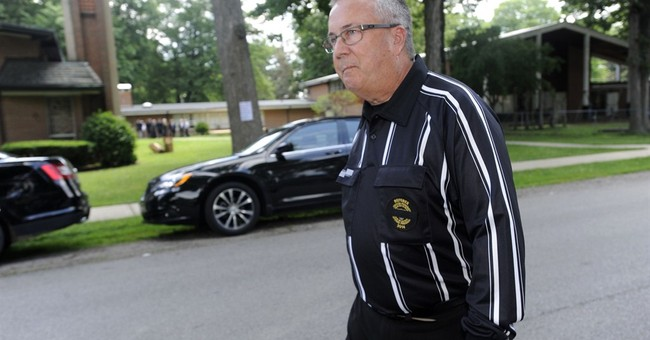 Death of Michigan referee raises medical questions