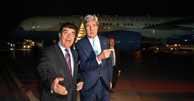 Kerry arrives in Afghanistan to meet candidates