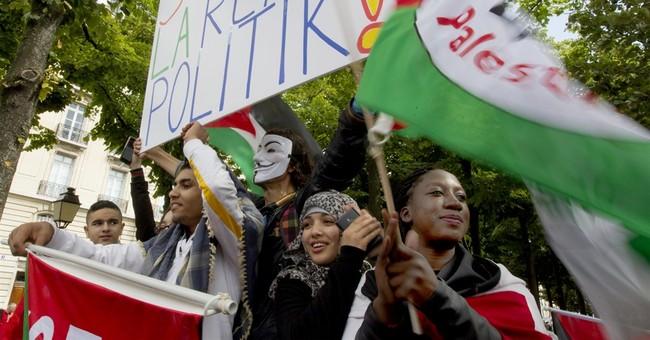Thousands protest Gaza strikes in London, Paris