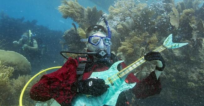 Divers, snorkelers converge for undersea 'concert'