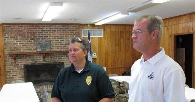 Small SC town rallies for fired gay police chief