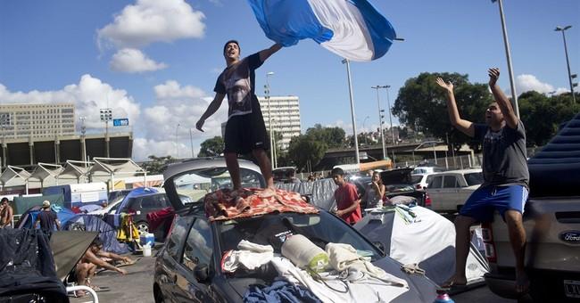 Violence mars Argentina's World Cup celebration
