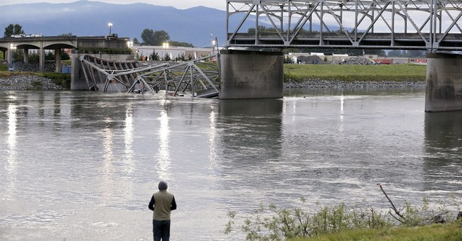 Review: Systematic errors led to bridge collapse